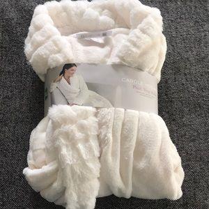 Other - NWT Plush White robe